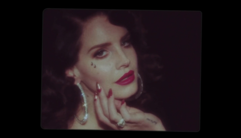 Видеоклип Lana Del Rey - Young and Beautiful [music]