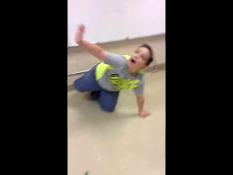 Видеоклип Dancing derpy kid