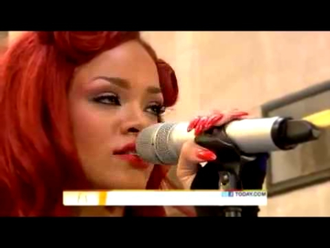 Видеоклип Rihanna super performance ao vivo - california king bed