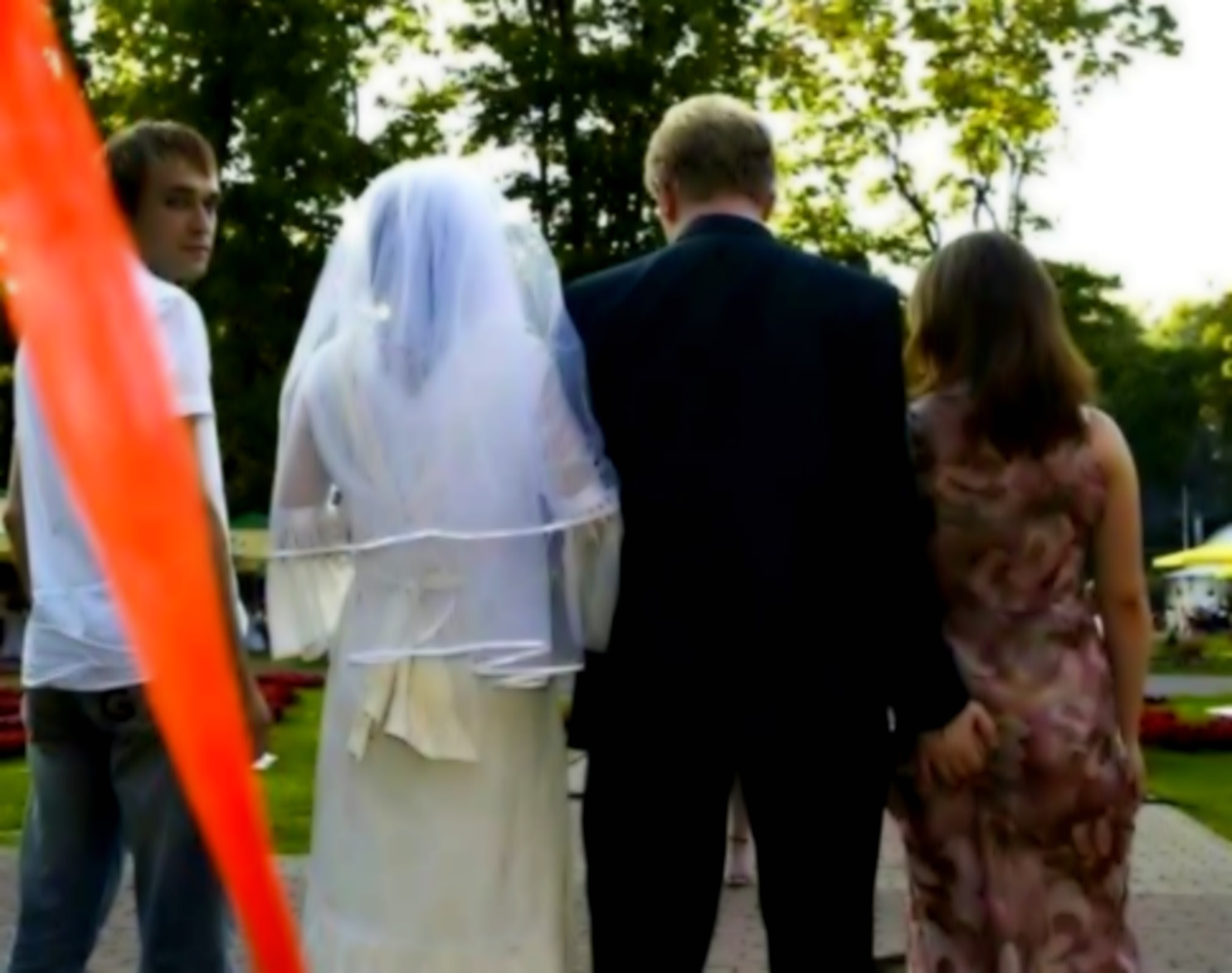 Совратила подругу перед свадьбой 10 фотография